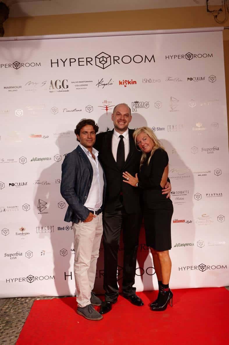 Opening Party Hyper Room v2 19